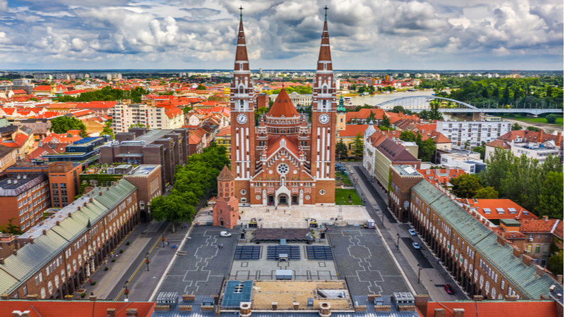 Head to Szeged: enjoy the city and the games!